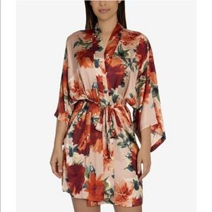 NWT Midnight Bakery floral wrap M/L. Never worn!